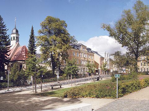 Der grüne Markt mit Blick auf deie St. Egidien Kirche
