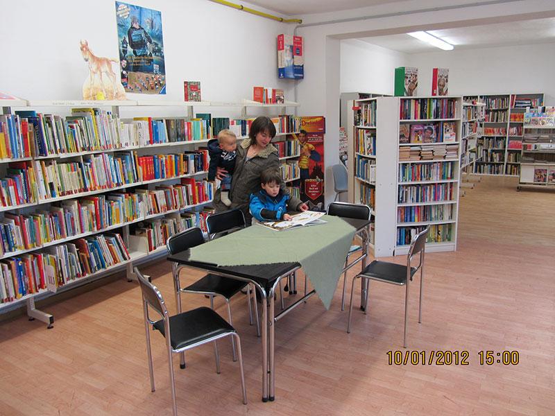Innenansicht der Bibliothek Rabenau