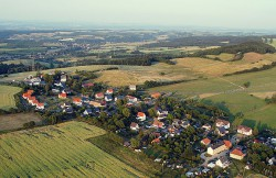 Luftaufnahme des Ortsteil Karsdorf