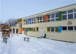Farbige Wandgstaltung des Kindergartens