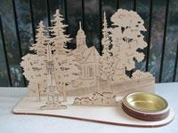 Teelichthalter aus sperrholz gesägt mit dem Motiv der Rabenauer Kirche